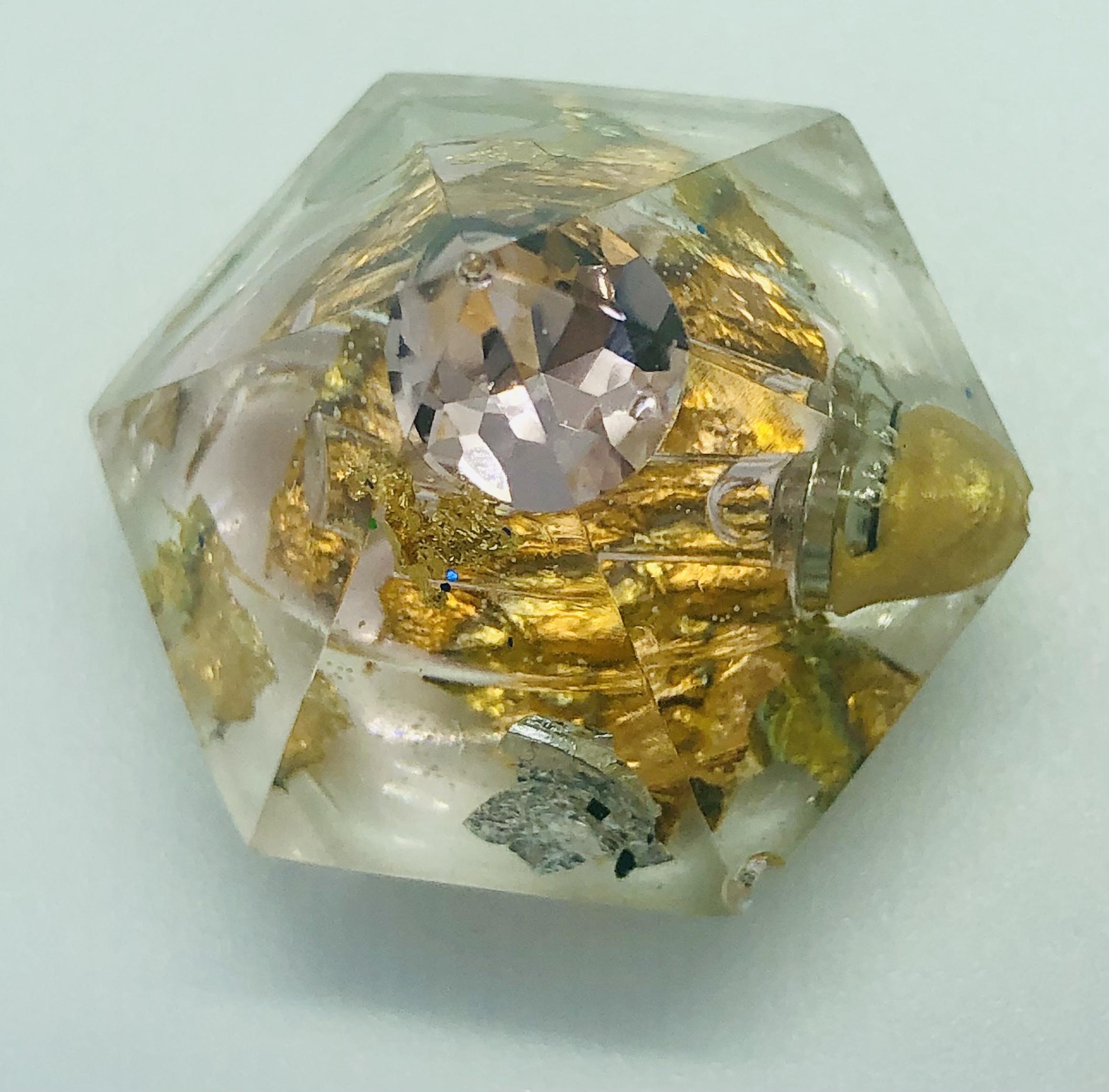 Diamant avec élixir - Taille base hexagonale inscrite dans Dia.30 mm, Ht.23 mm